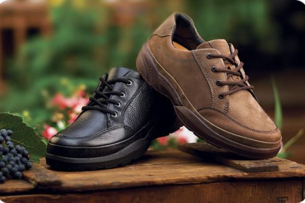 10 Best Diabetic Shoes For Men Women In 2020 Walkjogrun
