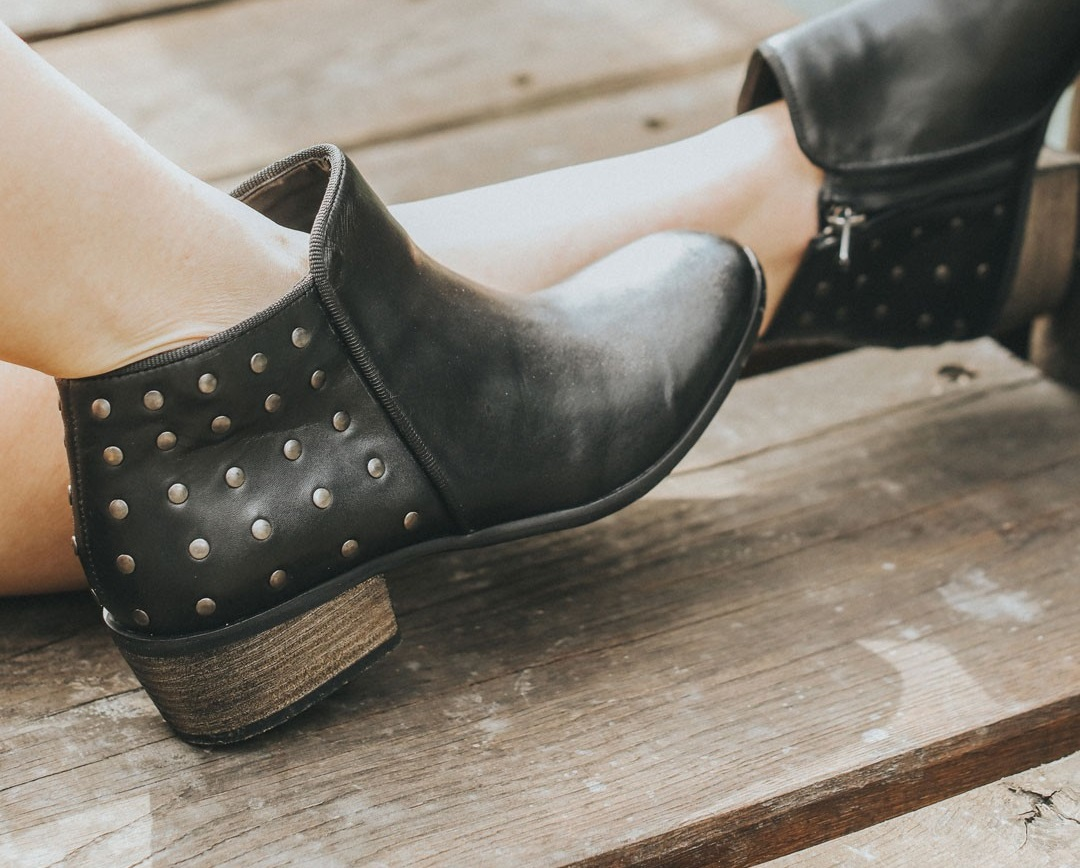 6fbdcaa15d 10 Best Ankle Boots Reviewed and Rated in 2019 | WalkJogRun