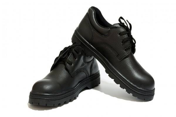 An in depth review of the best safety shoes of 2021