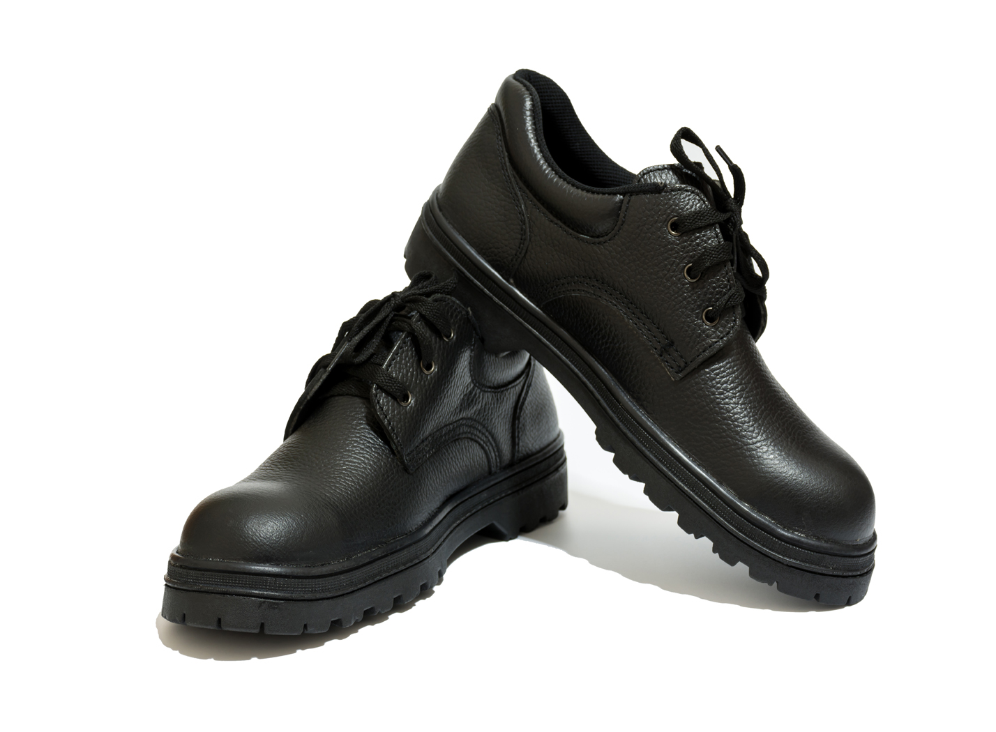 a780caefdaf 10 Best Safety Shoes Reviewed & Rated in 2019 | WalkJogRun