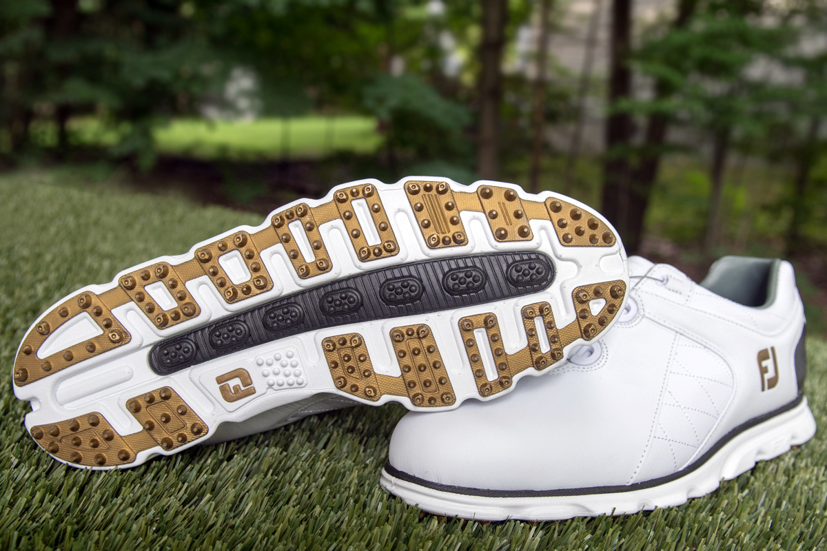 7aaec166b4 10 Best Spikeless Golf Shoes Reviewed & Rated in 2019 | WalkJogRun