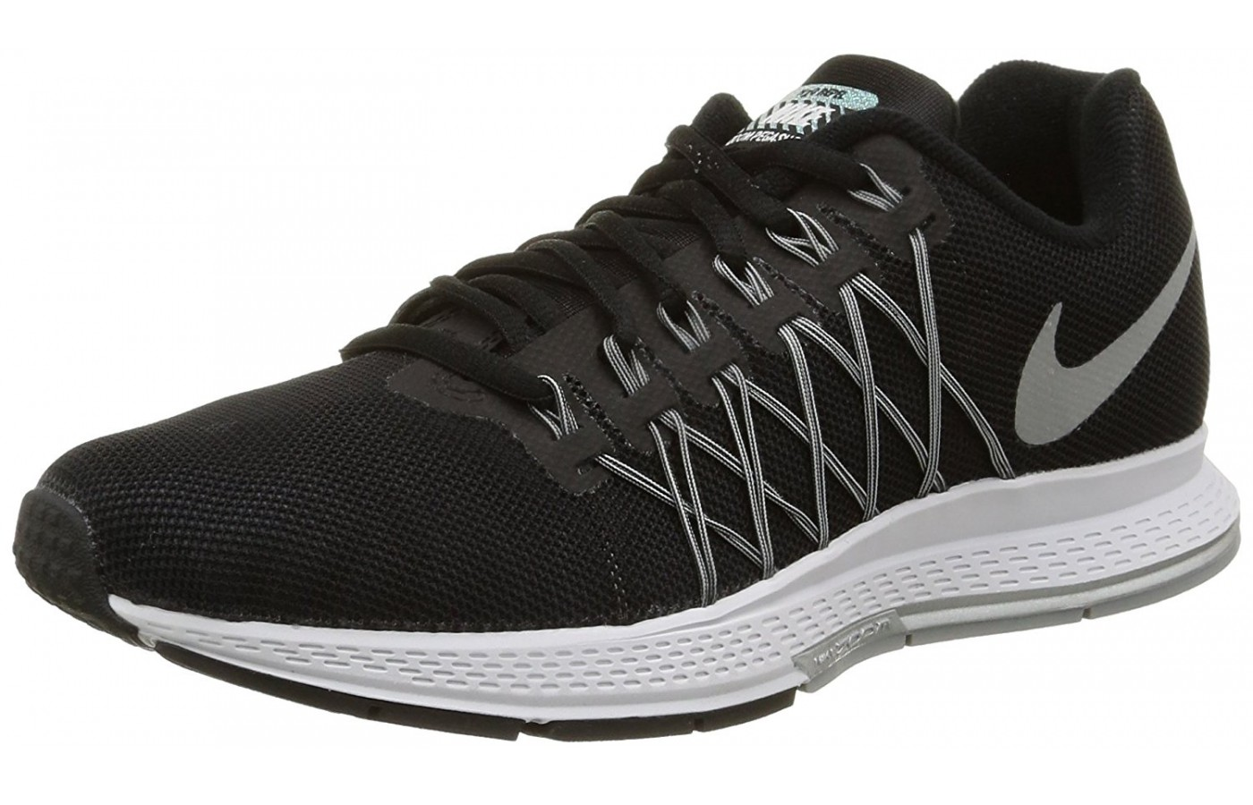 A three quarter view of the Nike Zoom Pegasus 32 running shoe.