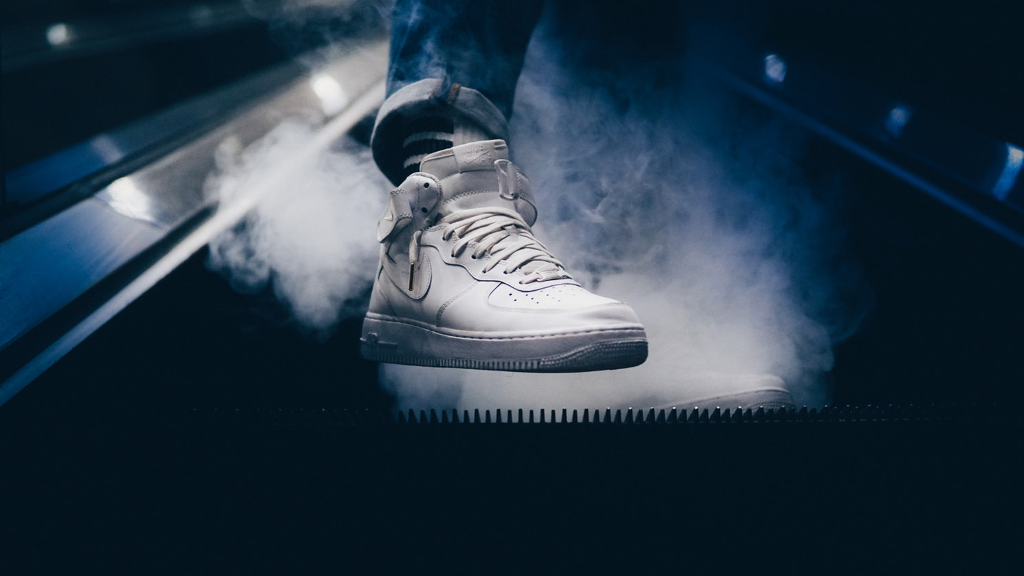 170a085f28a6d 10 Best Leather Sneakers Reviewed   Rated in 2019