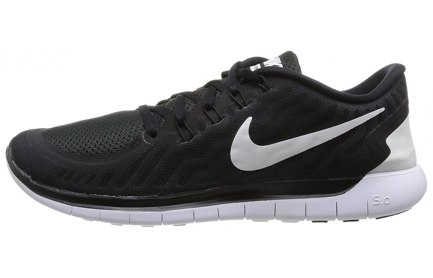 left to right view of the Nike Free 5.0