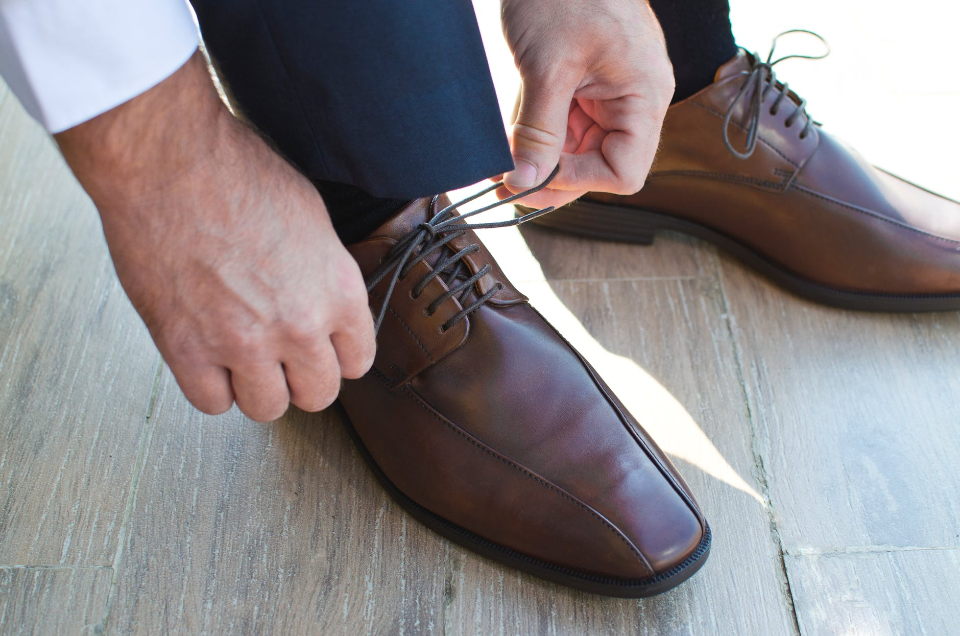 Long-Handled Wooden Shoe Horn with Loop Shoehorn for Boots Sneaker and Shoe