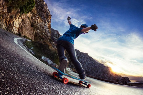 An In Depth Review of the Best Shoes for Longboarding of 2021