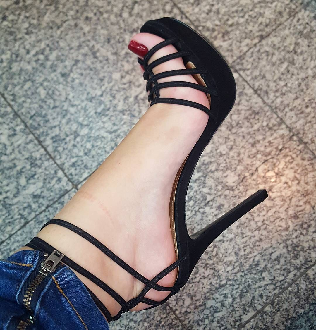 10 Best Strappy Heels Reviewed \u0026 Rated