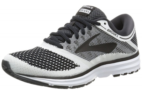 An in depth review of the Brooks Revel in 2018