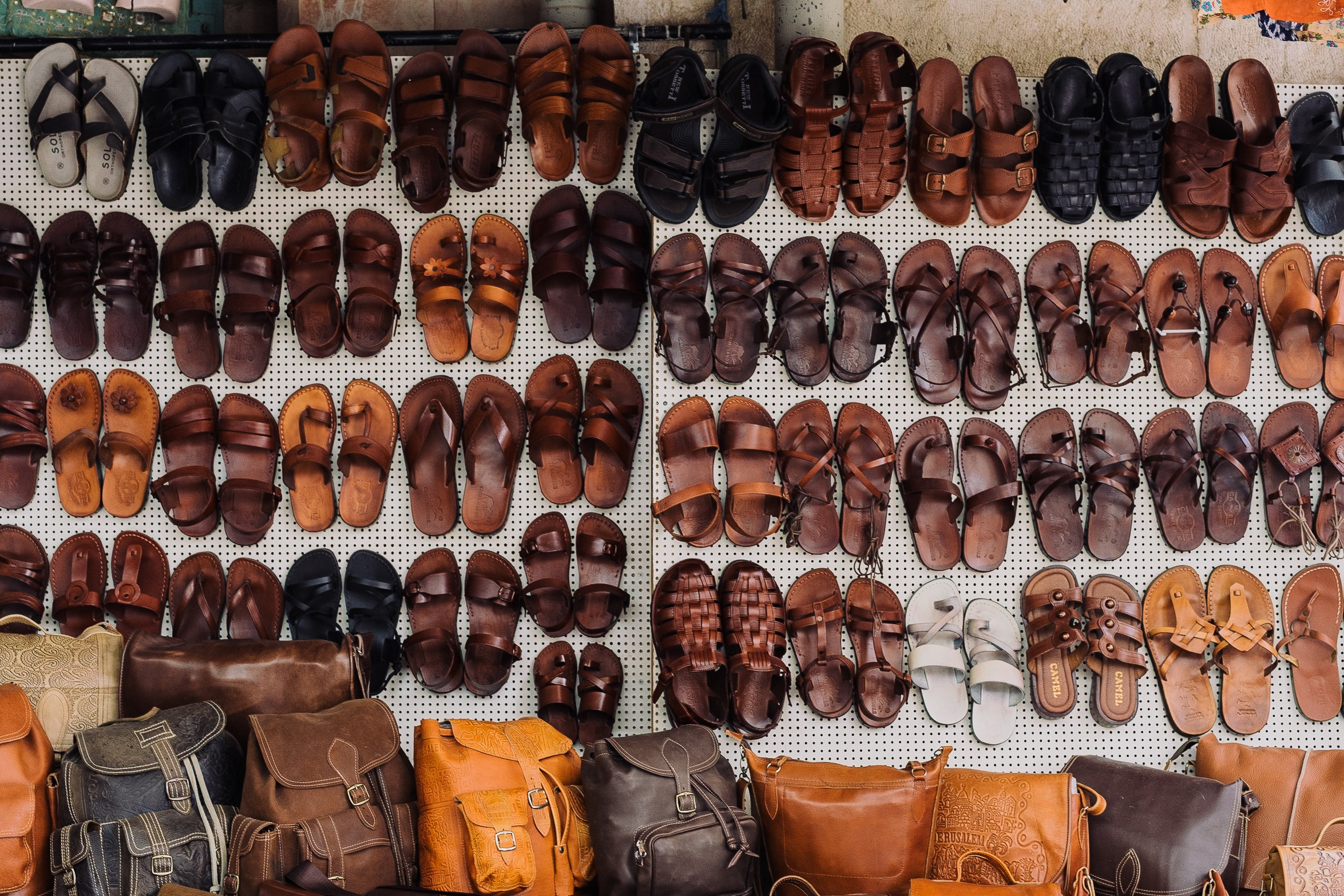 An In Depth Review of the Best Wide Width Sandals of 2018