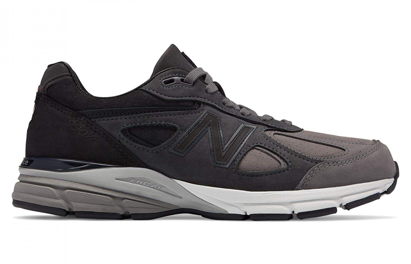 The black colour version of the New Balance 990v4