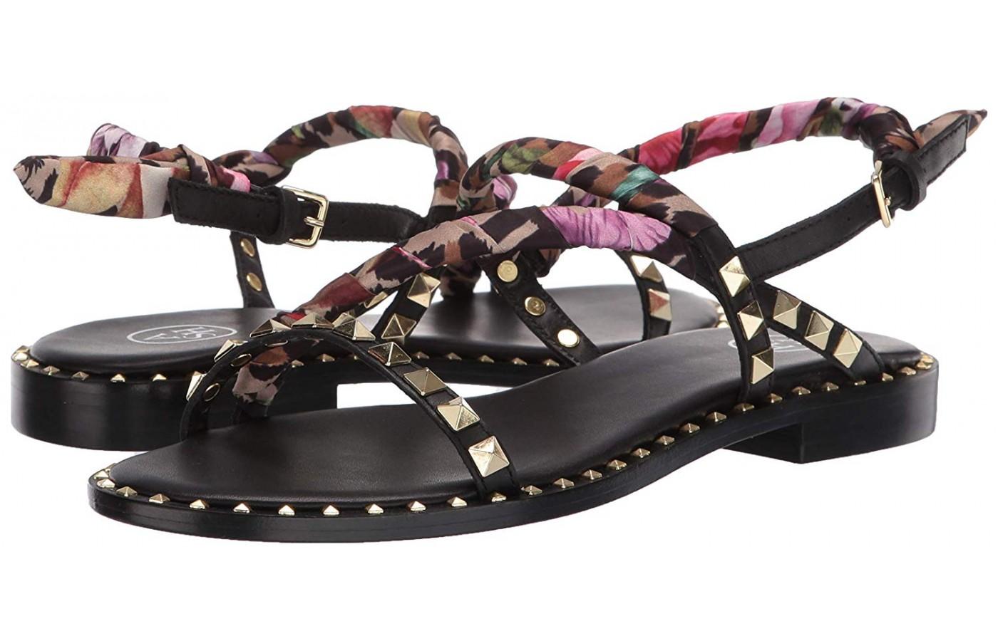 The Pattaya's mixed materials shine on this black pair.