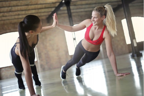 An In Depth Review of the Best Workout DVDs for Women in 2019