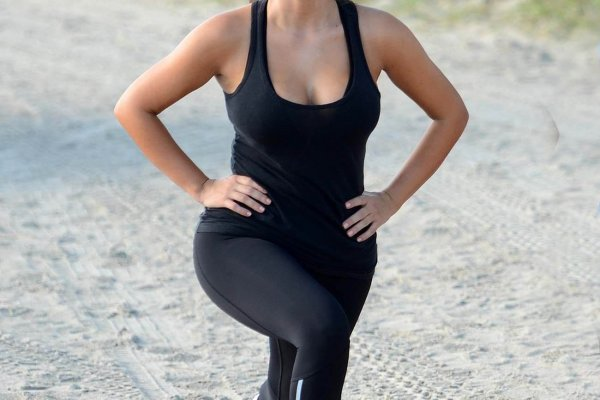 5 Moves from Kim Kardashian's Workout