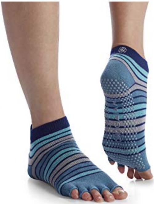 Gaiam-Best-Yoga-Socks-Reviewed 2
