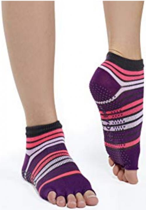 Gaiam-Best-Yoga-Socks-Reviewed 3