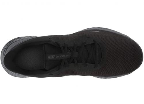 Nike Men's Revolution 5 Running Shoe laces