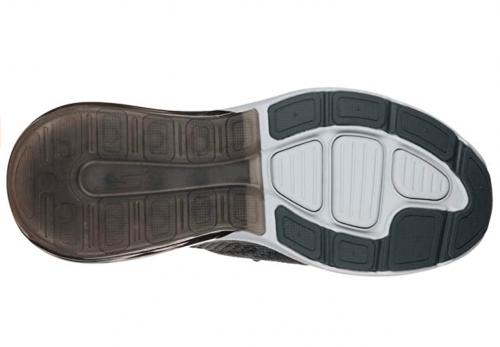 Sketchers Men's GO Run AIR Sneaker  sole