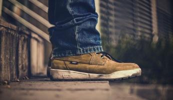2 Ways To Make All-Natural DIY Sneaker Balls