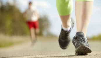 how many calories do you burn walking a mile