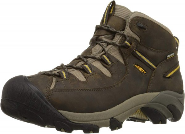 Keen Targhee II Angle  Keen Targhee II boots which are designed for hiking