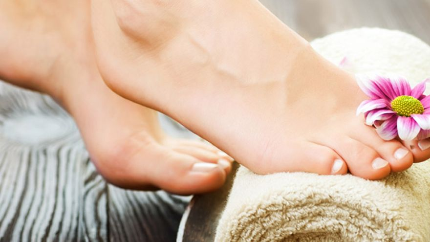 10 Natural Ways to Get Rid of Foot Odor